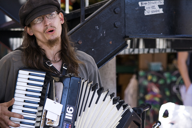 Craig Lay of Raw Corn performing at Pike Place Market.